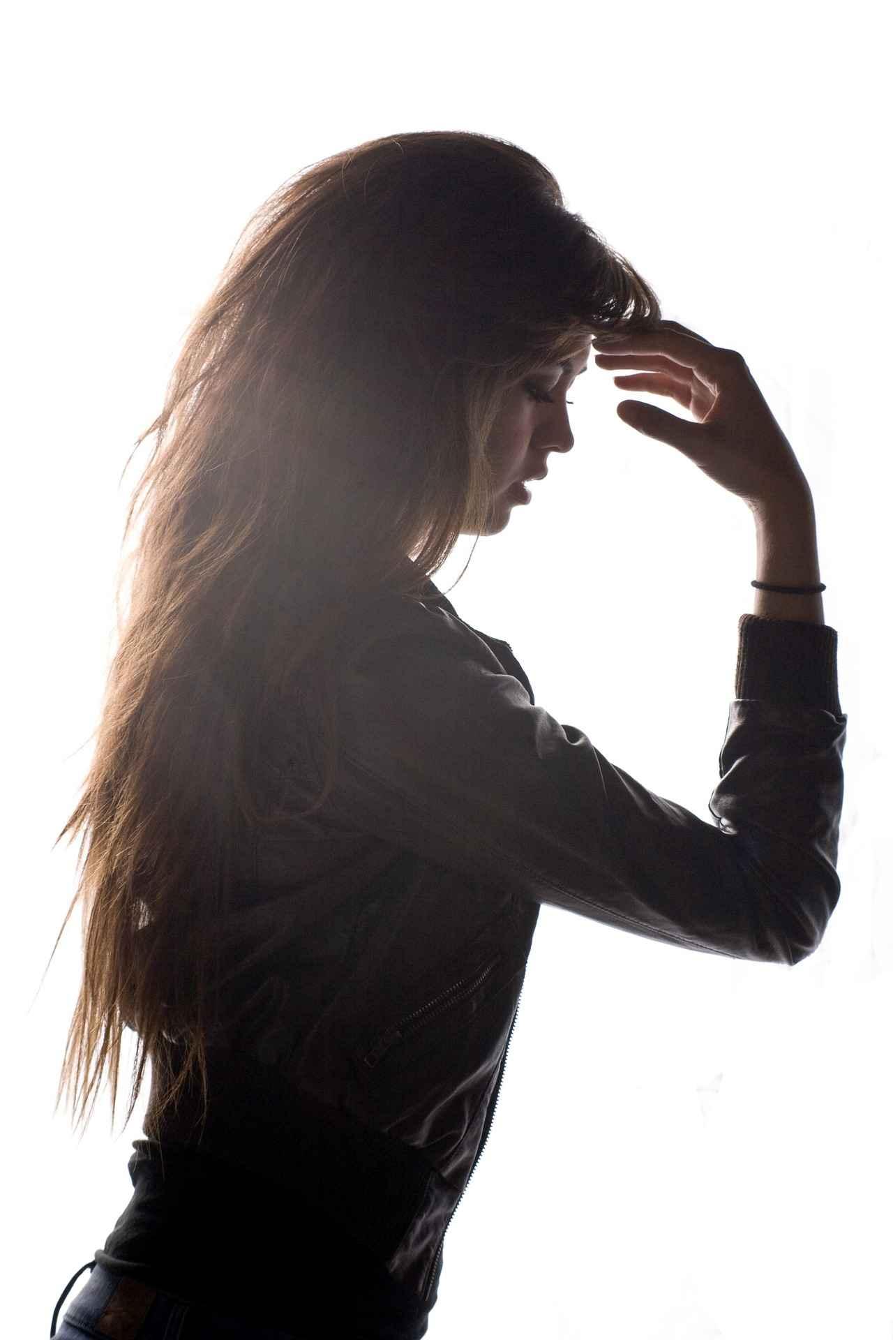 Aceite de jojoba para el pelo rizado